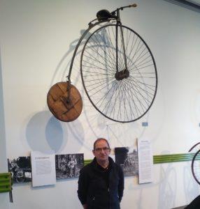 affe-visar-museets-cykelutsta_llning